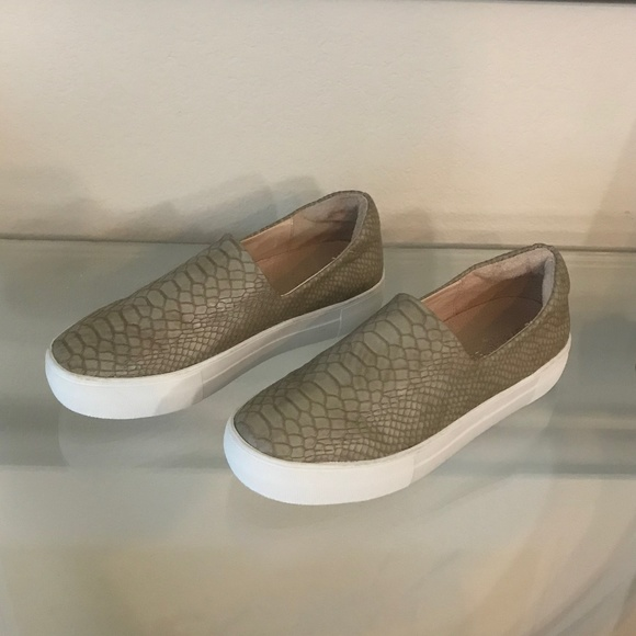 New Jslides Nyc Ariana Embossed Snake